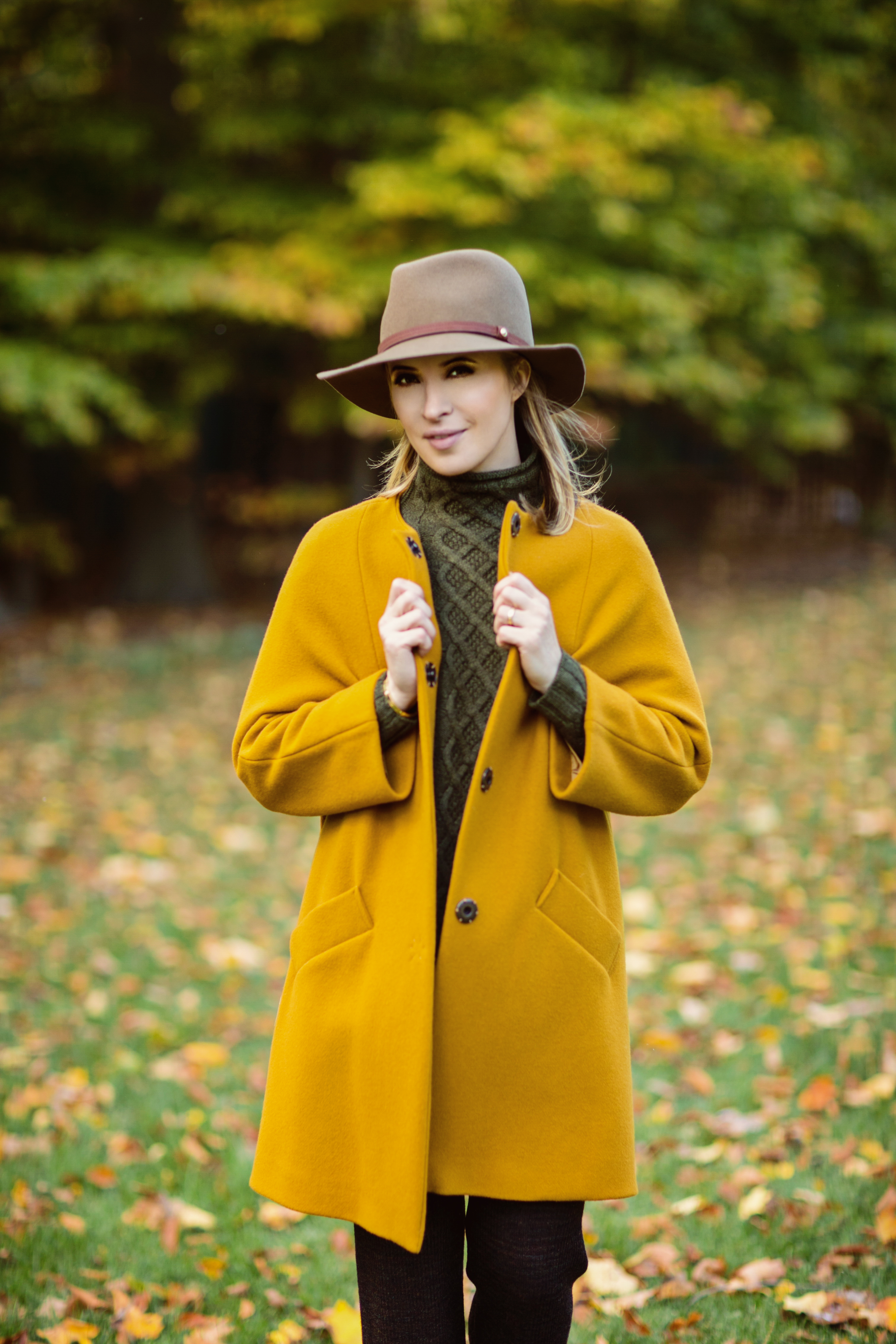5 Tips for Wearing Wide-brimmed Hats This Winter